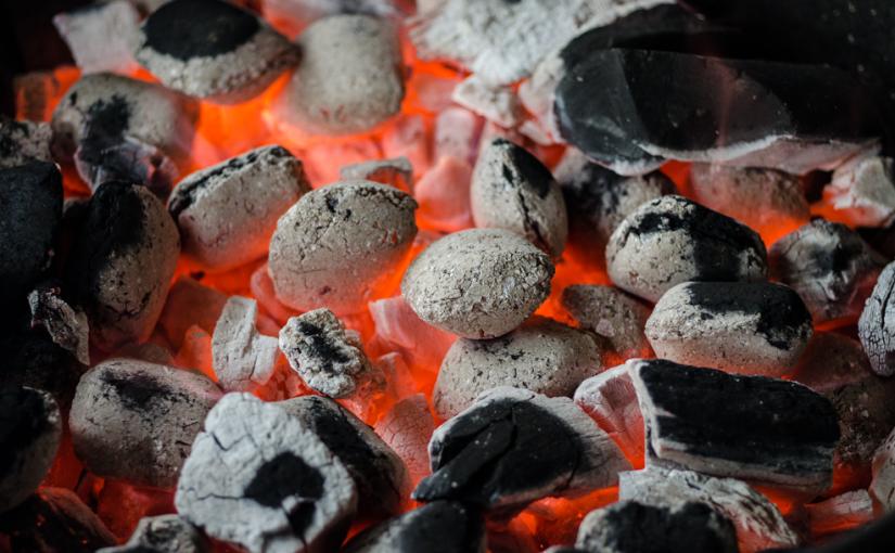 Carvão: aprenda como escolher e quanto comprar